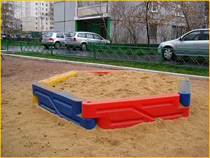 детская песочница с песком